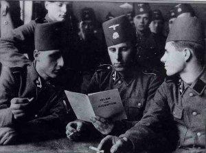 tentara-nazi-yang-membaca-risalah-islam